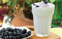 Green Tea, Blueberry & Banana Smoothie